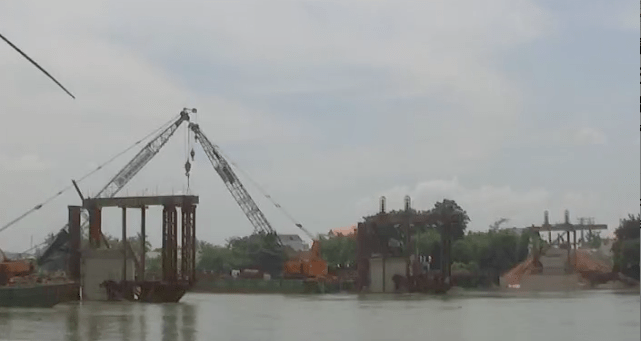 June 17th, Ghehn rail bridge is still not erect